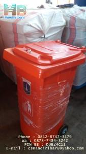 jual-tempat-sampah-fiberglas-240-liter-harga-tong-sampah-besar-beroda-240-liter-bandung-dan-jakarta