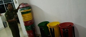 JUAL TEMPAT SAMPAH FIBERGLASS OUTDOOR MURAH,daftar harga tempat sampah fiberglass murah , jual tong sampah fiber di jakarta dan bandung murah , tong sampah fiberglass di bandung